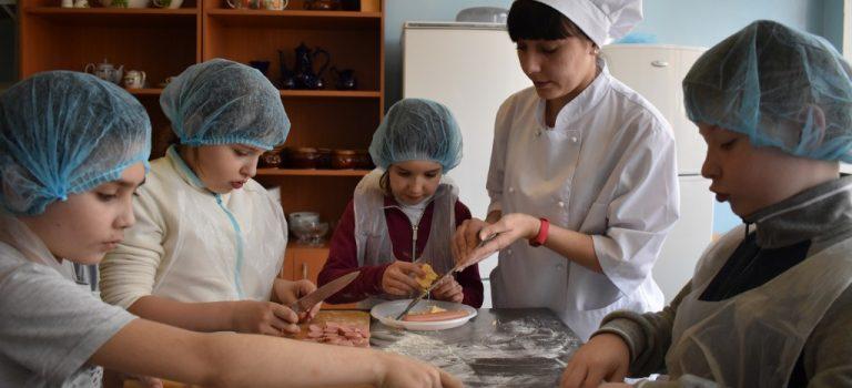 В ОСП №2 прошло профориентационное мероприятие для школьников 2-го класса МОУ СОШ № 24 по профессии «Повар»