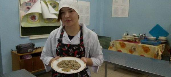Второй год обучения для школьников начался с изучения технологии приготовления блюд из рыбы